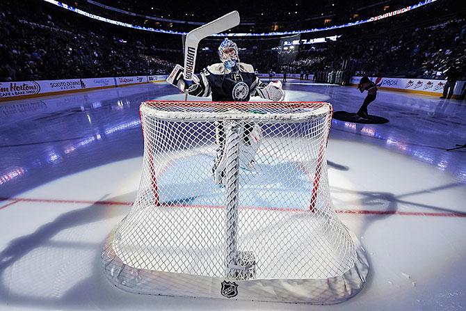 Бобровский и еще 4 претендента на приз лучшему вратарю НХЛ