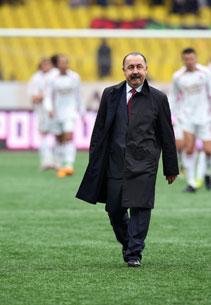 «Не хотелось бы кусать локти, если Газзаев или Семин покорят Лигу чемпионов для Украины, а не России»