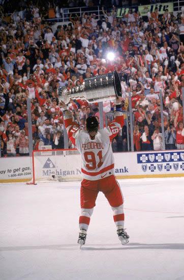 5 российских игроков, чьи номера должны быть увековечены клубами НХЛ
