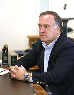 «Следующей осенью Адвокат покинет Россию миллионером-неудачником»