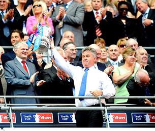 «Хиддинку можно было бы смело и дальше вести «Челси» к кубкам и титулам»