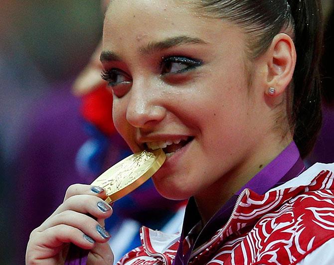 Самая красивая медаль. Почему именно Мустафина выиграла брусья?