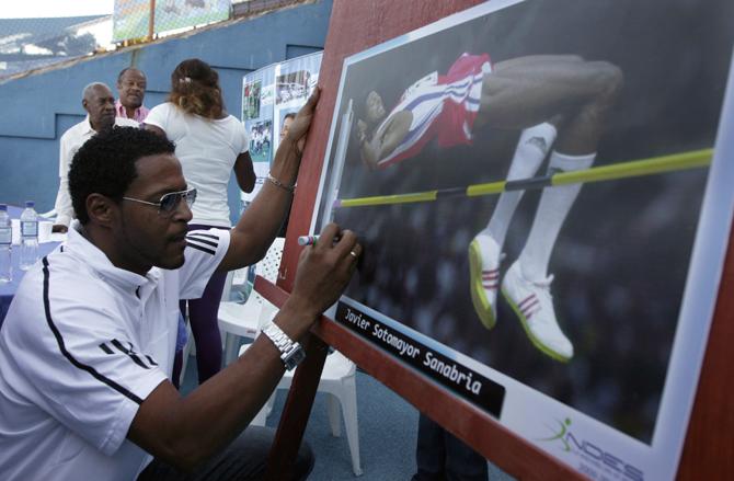 Сотомайор и еще 16 звездных легкоатлетов в истории Универсиад