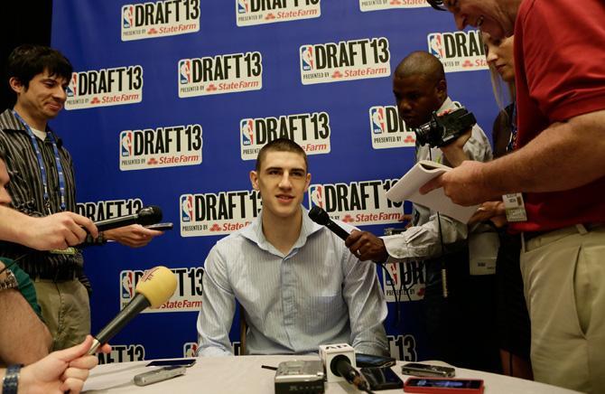 Алексей Лень выбран под 5-м номером. Хроника драфта НБА