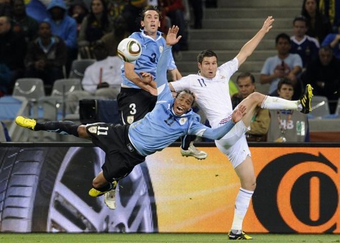 В матче Уругвай -- Франция борьбы было много, в отличие от голов...