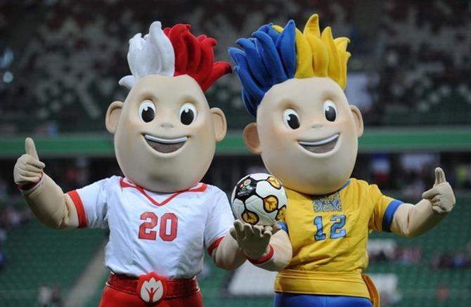Будут ли талисманы довольны аренами для Евро?