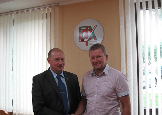 Евгений Ворсин и Кари Хейккиля рады началу сотрудничества.