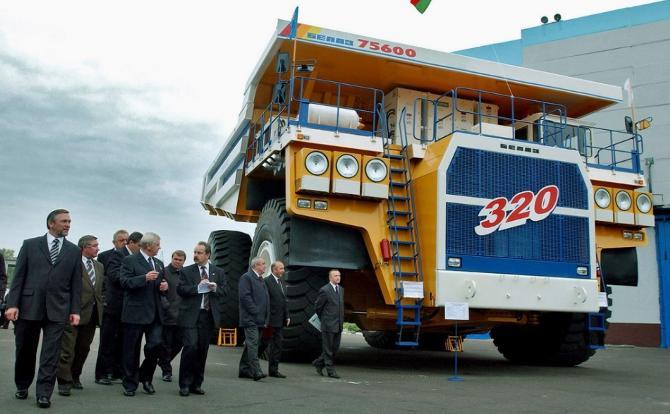 Работники БелАЗа не в восторге от игры жодинской команды