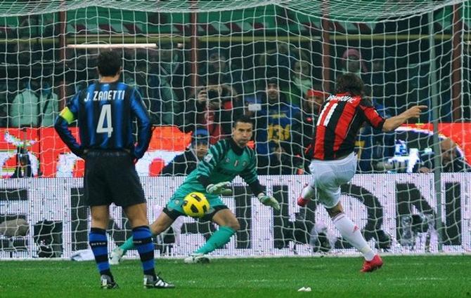 Златан Ибрагимович забил своему бывшему клубу. Получилось символично.
