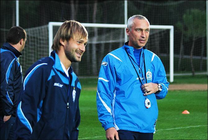 Дмитрий Сычев осваивается в компании Олега Протасова