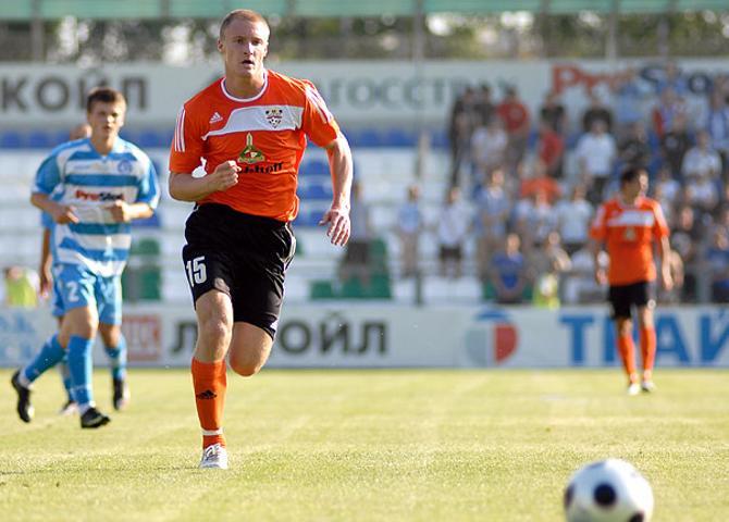 Дмитрий Комаровский когда-то играл за БАТЭ, а сегодня выйдет против него на поле.
