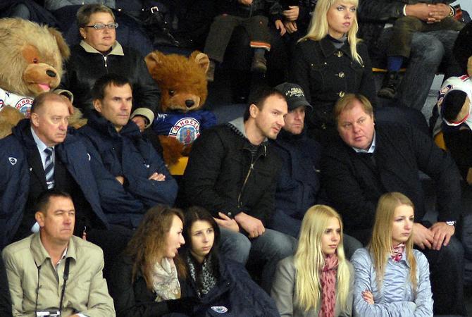 Игоря Матушкина редко можно увидеть на матчах ОЧБ