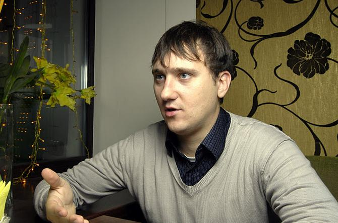 Коллеги шутят, что федерация должна приплачивать Леониду Лекаревичу за освещение белорусского хоккея