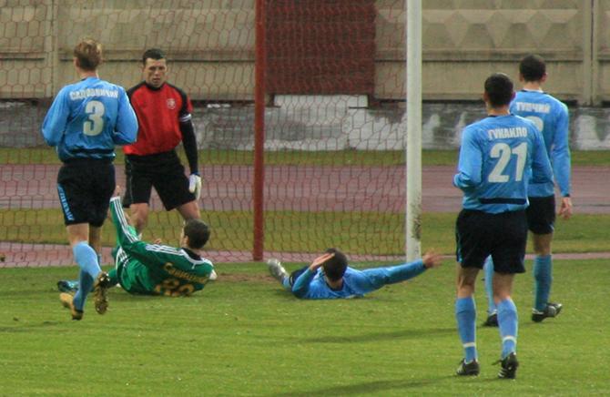 Павел Савицкий провел феерический матч - два гола и одна результативная передача.