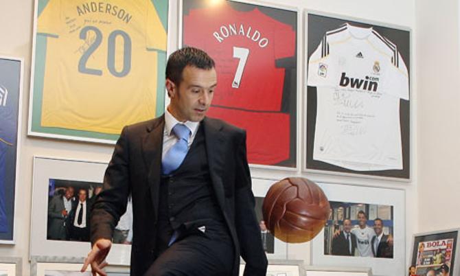 Жорже Мендеш - главный игрок на футбольном рынке.