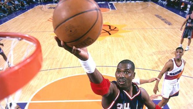 Хаким Оладжувон - лучший, по нашей версии, легионер в истории НБА.