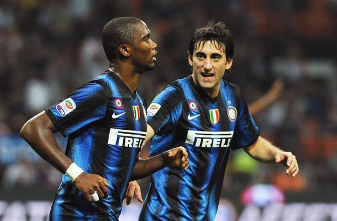 В матче с «Бари» ЭтоО и Милито забили по два гола и обеспечили своей команде крупную победу.