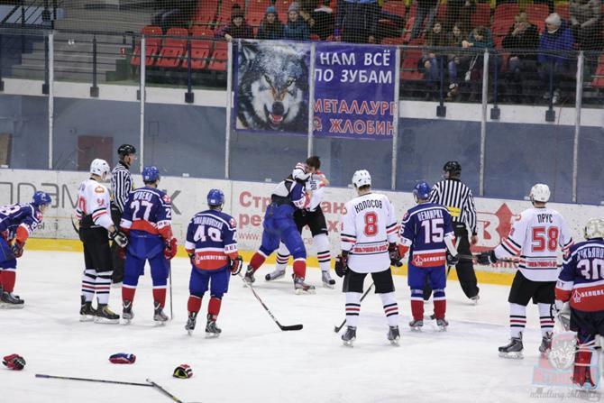 «Металлург» третий раз в сезоне победил в полесском дерби.