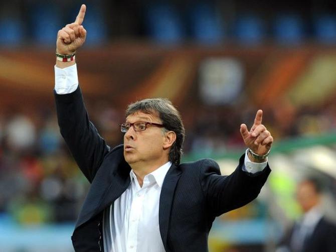 Неместный и неголландец, Херардо Мартино ничуть не досадует по поводу полемики по поводу футбола его «Барсы».