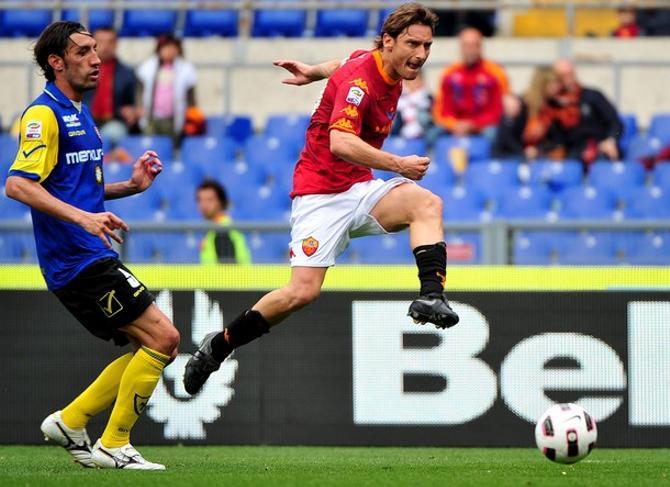 Команда Франческо Тотти отчаянно пытается вскочить в Лигу чемпионов.