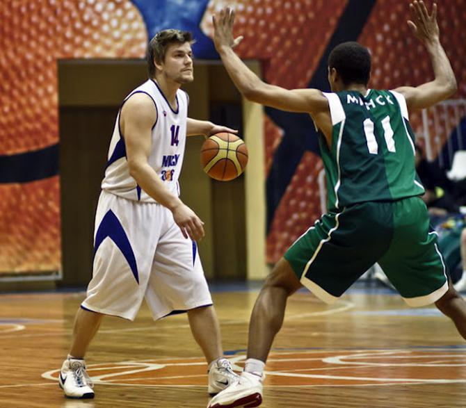 Максиму Шустову не очень нравится, как работают молодые баскетболисты