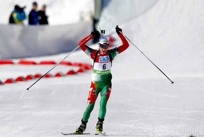 Дарья Домрачева буквально на последних метрах сумела вырвать третье место