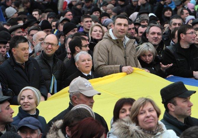 Виталий Кличко в самом центре событий.