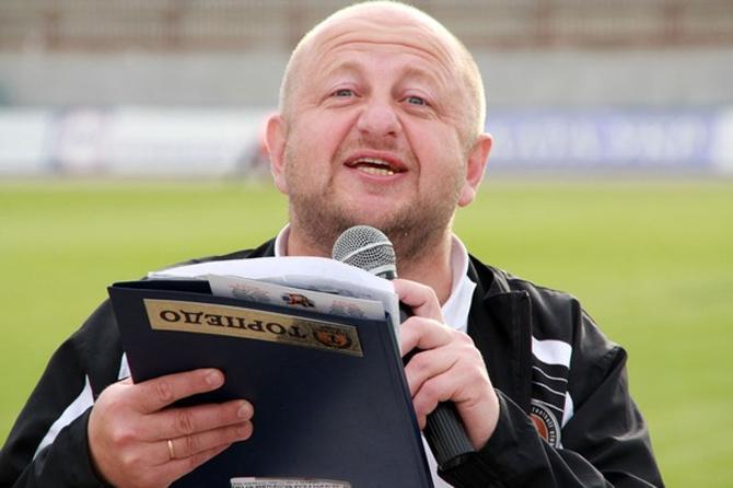 Сергей Пузанкевич считает, что футбол - это шоу, и старается привнести в него элементы праздника