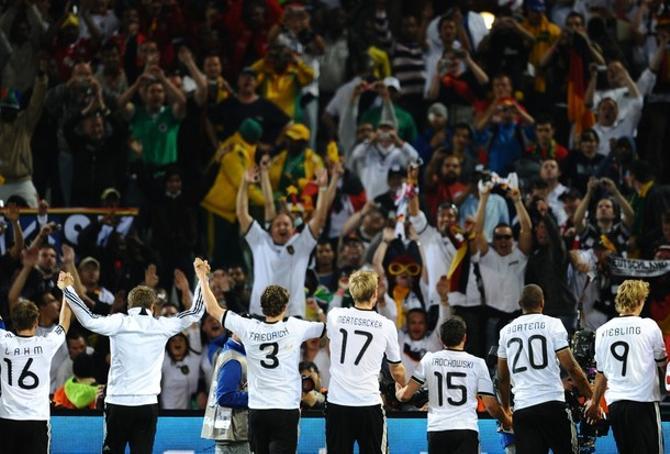 Они не оставили сборной Англии шансов.