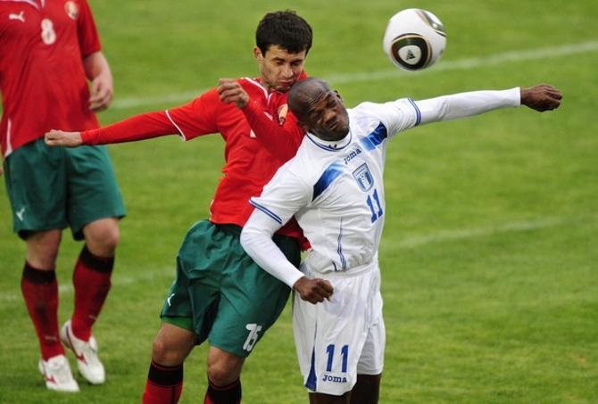 Во время товарищеских матчей Сергей Кисляк не давал спуску ни корейцам, ни гондурасцам