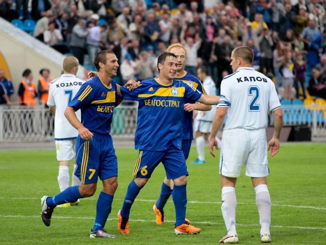 Партнеры поздравляют Олега Патоцкого с голевым дебютом в высшей лиге