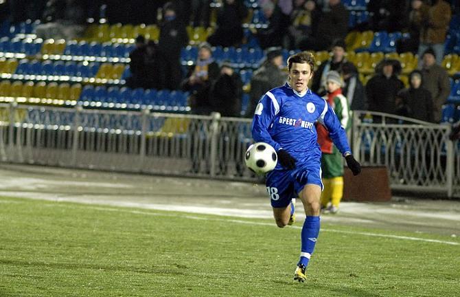 Голы Дмитрия Мозолевского в последних двух матчах так и не стали победными