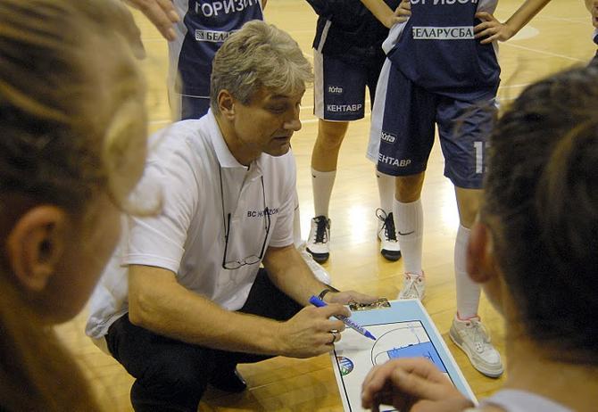 Не факт, что Анатолий Буяльский останется в женской сборной