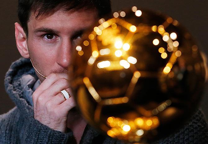 Остался всего месяц до того момента, когда лучший игрок по версии FIFA и France Football получит свою награду.
