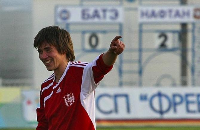 Филипп Рудик весело реагирует на любое событие - не только на победу «Нафтана» над БАТЭ в полуфинале Кубка Беларуси 2009 года.