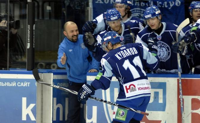 Александр Кулаков принес