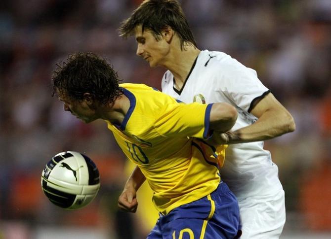 C недавних пор Александр Мартнынович играет в сборной без замен.