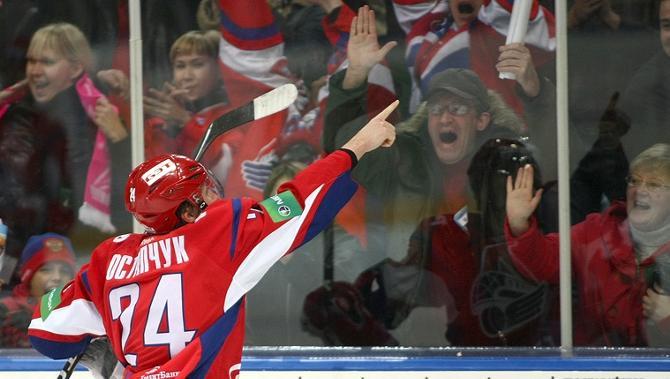 Сергей Остапчук намерен в этом сезоне победно вскидывать руки не менее 10 раз.