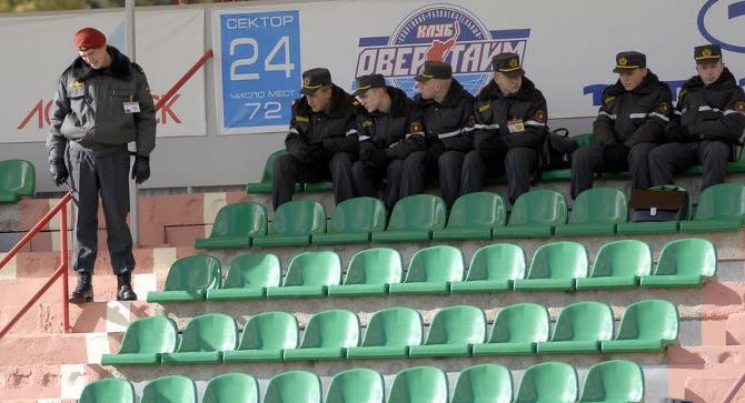 За матчем минских «Динамо» и «Партизана» наблюдали избранные.