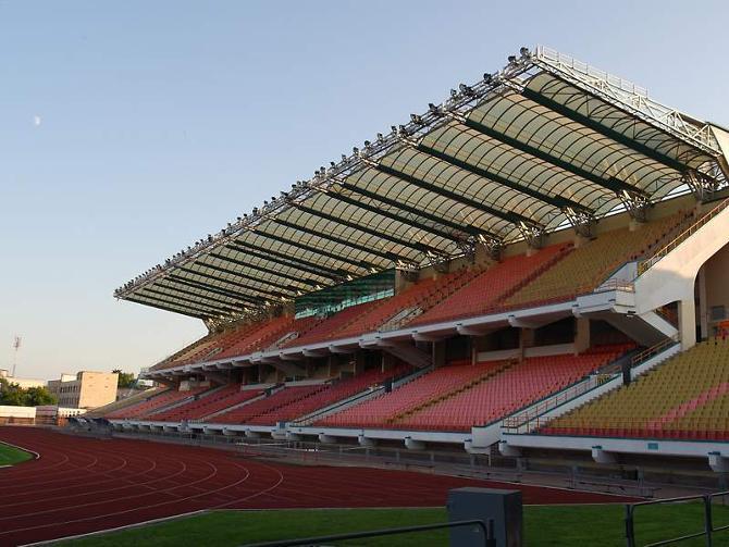 Реконструкция стадиона «Брестский» была начата в 2005 году и завершилась в 2007-м. На эти цели из бюджета направлено 6,3 миллиарда рублей — то есть 3 миллиона долларов.
