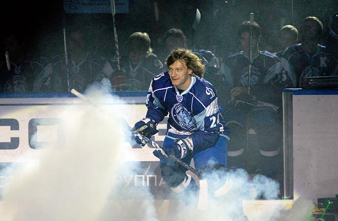 Дмитрий Коробов всегда рад выходу на лед.