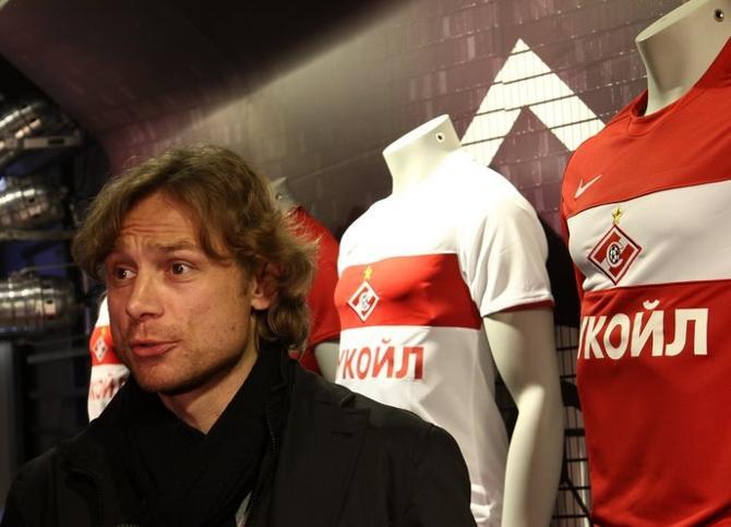 Генеральный директор Валерий Карпин недоволен работой тренера Валерия Карпина.