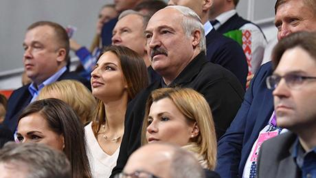 Гимнастка, которую часто видят в компании Александра Лукашенко. Кто она?