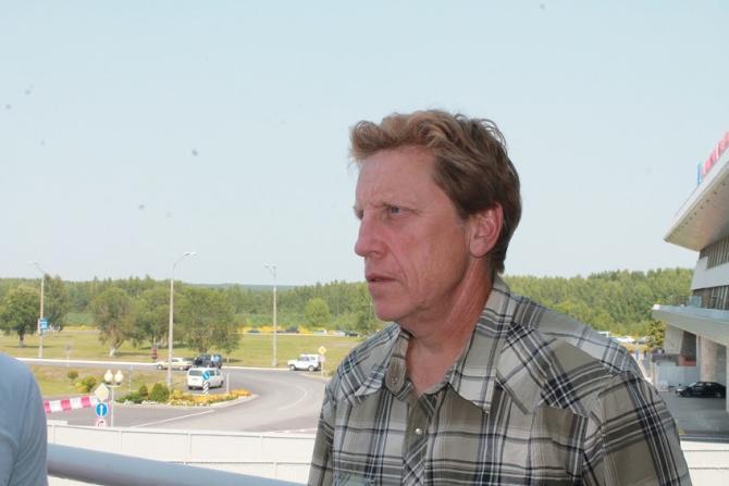 Глен Хэнлон удивлен, как часто в Беларуси произносят слово