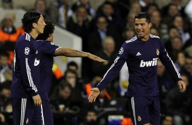 Криштиану Роналду забил не самый красивый гол, однако он принес победу