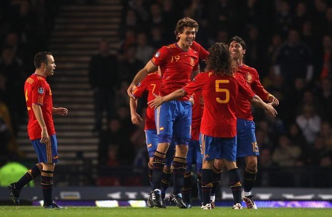Сборная Испании продолжает побеждать.