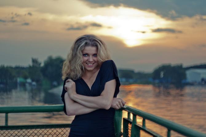 Марине Гончаровой не нравится ходить по подиуму, а вот фотографироваться — очень даже по душе