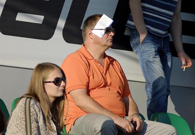 Может, белорусский футбол и неинтересно смотреть, но наблюдать за ним очень даже любопытно