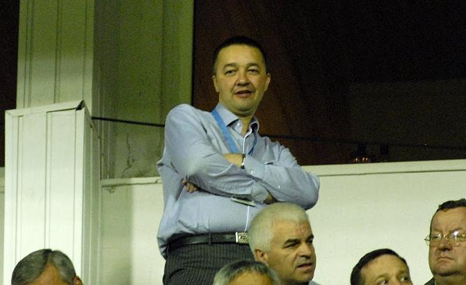 Анатолий Капский не дает свою команду в обиду.