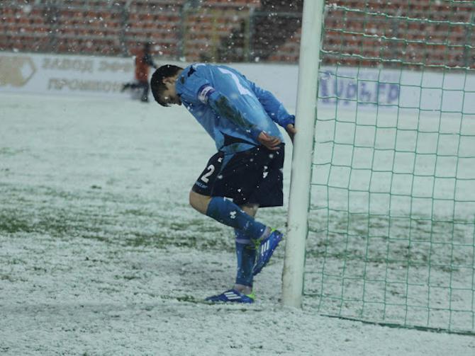 В пятницу погода футболу явно не способствовала